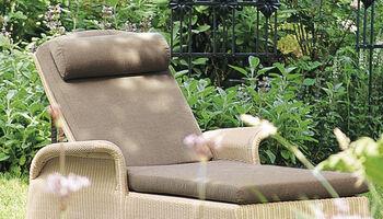 hochwertige sonnenliegen aus teak edelstahl aluminium garpa. Black Bedroom Furniture Sets. Home Design Ideas
